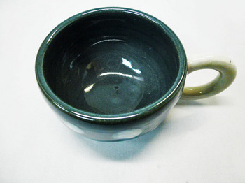 コロコロ黒カップ(白水玉)6.JPG