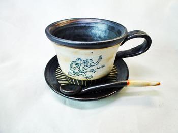 鳥獣戯画のカップ&ソーサーのセット1.JPG