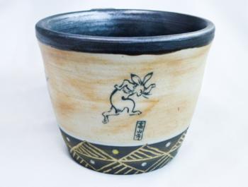 鳥獣戯画マグカップ(アンティーク調仕上げ)2.png